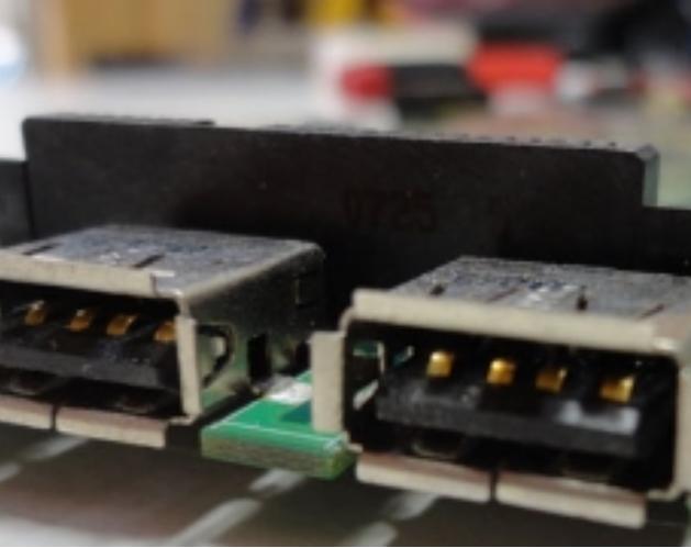 naprawa-gniazda-USB-w-laptopach